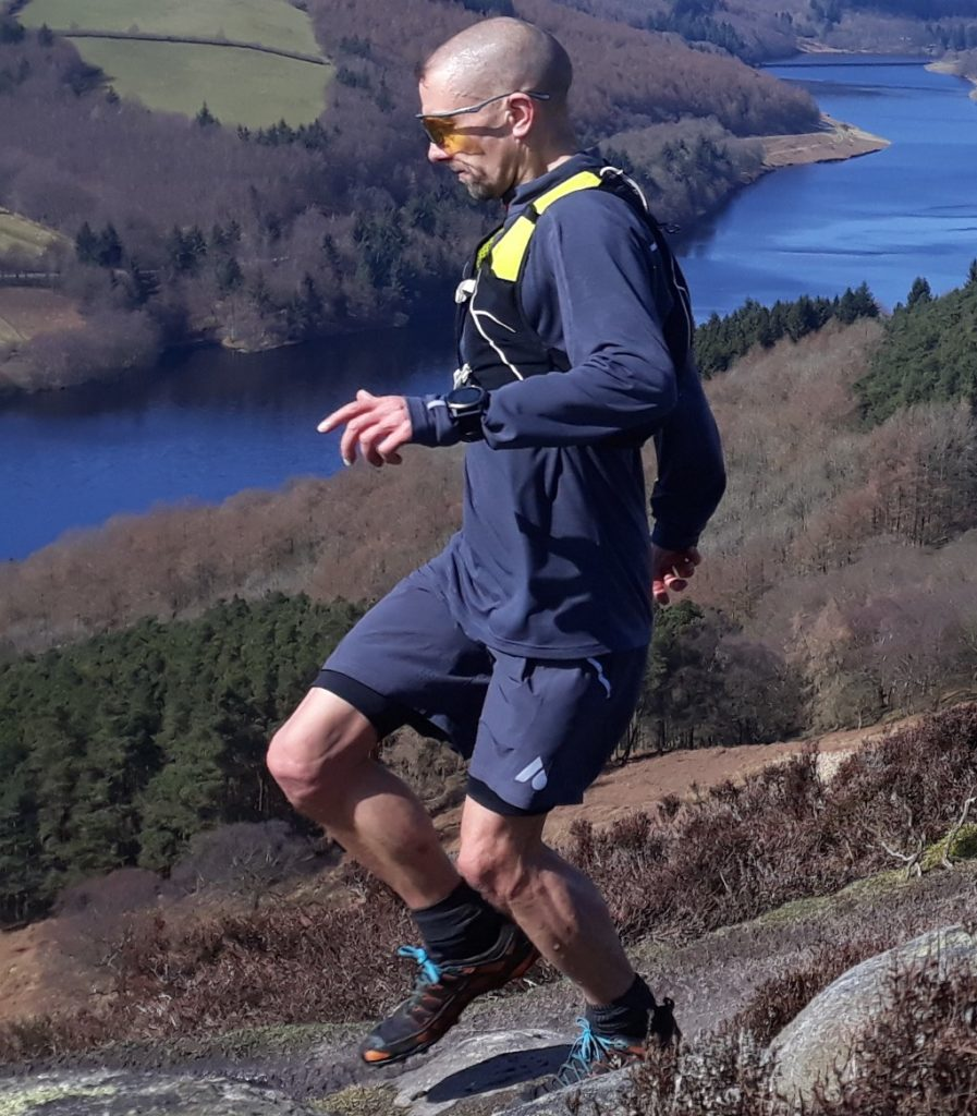 runner wearing Aussie Grit Flint shorts