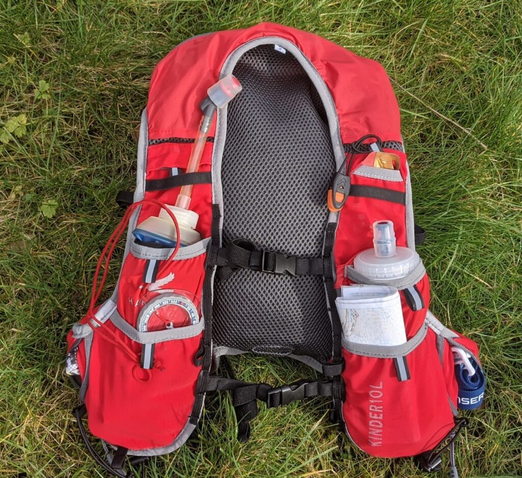 photo of front pockets on Kinder race vest